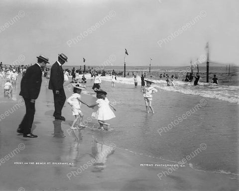 Vintage Children Cool Off At N.Y. Beach! 8x10 Reprint Of Old Photo