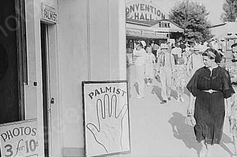 Palmist Fortune Teller During Fair 1940s 4x6 Reprint Of Old Photo