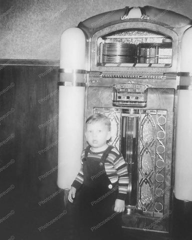 Wurlitzer Jukebox 800 Little Boy In Front Vintage 8x10 Reprint Of Old Photo