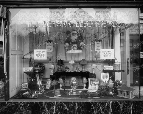 Window Display With Electric Toy Train 1921 Vintage 8x10 Reprint Of Old Photo