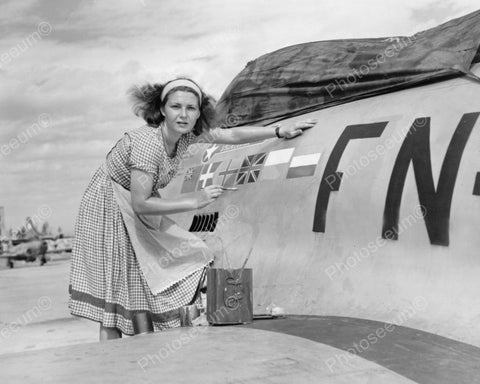 Woman Painting F-80 Fighter Plane 1940's Vintage 8x10 Reprint Of Old Photo - Photoseeum