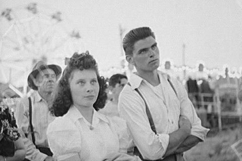 Young Teen Couple At Oregon Fair 1940s 4x6 Reprint Of Old Photo