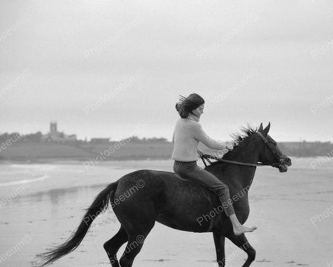 Jacqueline Kennedy Riding Horse On Beach Vintage 8x10 Reprint Of Old Photo