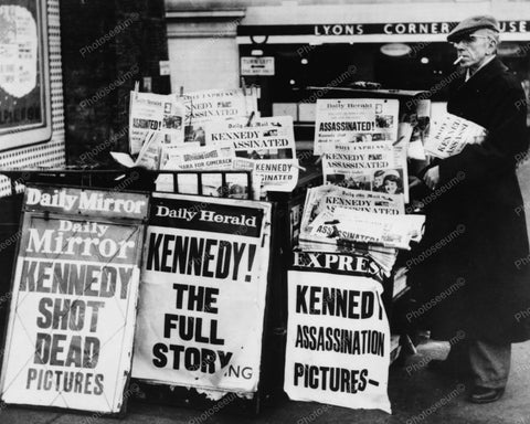 JFK Death Newspaper Stands Headlines 8x10 Reprint Of Old Photo