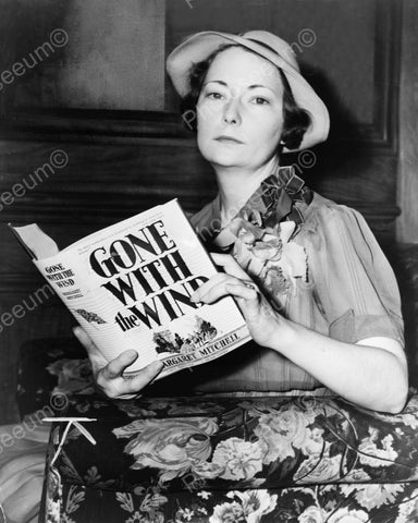 Margaret Mitchell Reading Book Gone With The Wind 1938 8x10 Reprint Of Old Photo