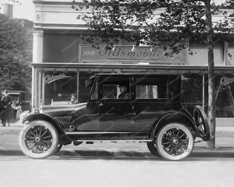 Black Classic Oldsmobile Early 1920s 8x10 Reprint Of Old Photo - Photoseeum