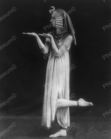 Egyptian Stance 1915 Vintage 8x10 Reprint Of Old Photo - Photoseeum