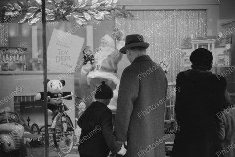 Family Christmas Toy Window Shopping 1940 Vintage 8x12 Reprint Of Old Photo