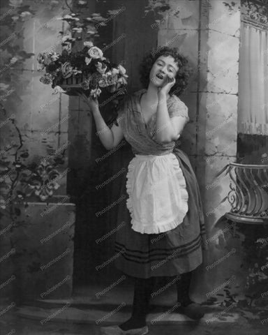Lady In Dutch Clothing Selling Flowers 8x10 Reprint Of Old Photo