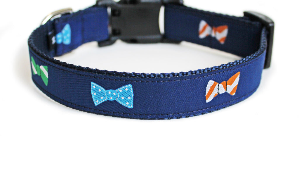 The back of the Bow Ties Dog Collar, displaying the pattern repeating itself along the length of the collar.