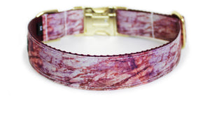 The back of the Fall Marble Dog Collar, displaying the pattern repeating itself along the length of the collar.