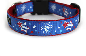 The back of the Fireworks Dog Collar, displaying the pattern repeating itself along the length of the collar.