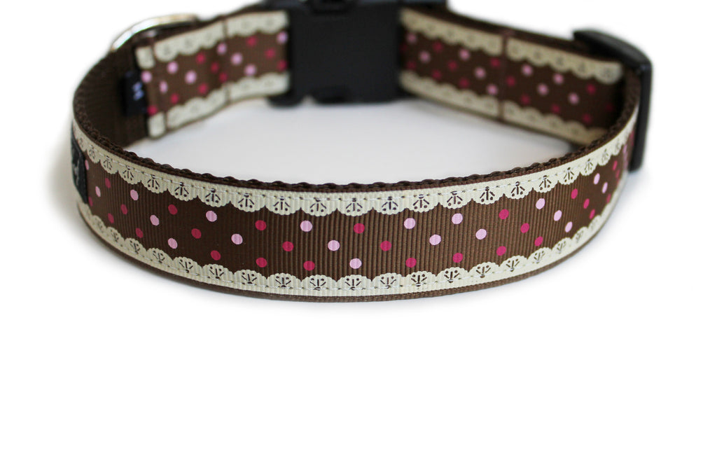 The back of the Gingerbread Cutie Dog Collar, displaying the pattern repeating itself along the length of the collar.