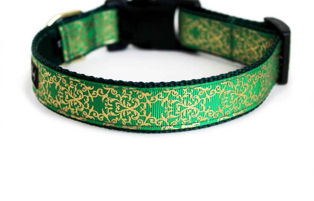 The back of the Pot of Gold Dog Collar, displaying the pattern repeating itself along the length of the collar.