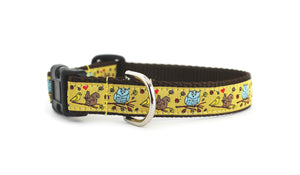 The In the Fall Dog Collar, displaying the pattern repeating itself along the length of the collar.
