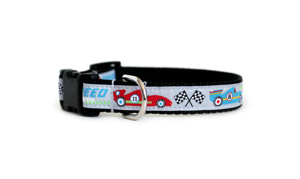 The front of the Little Speedster Dog Collar, displaying the pattern repeating itself along the length of the collar.
