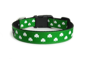 The back of the Luck of the Irish Dog Collar, displaying the pattern repeating itself along the length of the collar.