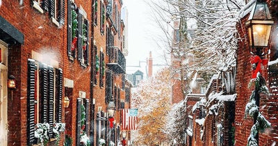 Boston's Historic Acorn Street Is Even More Beautiful During The Holidays