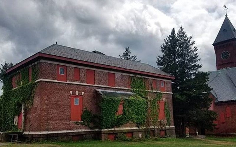 Catch A Screening Of 'Shutter Island' At The Abandoned Hospital Where It Was Filmed
