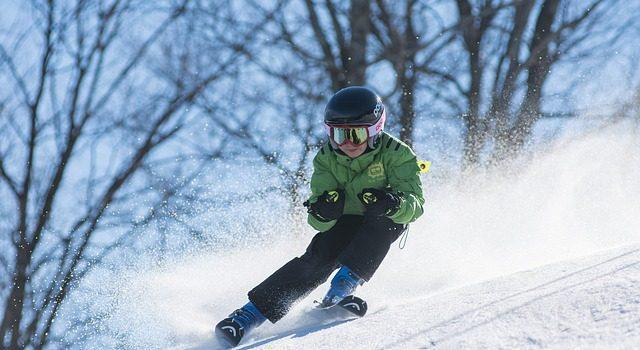 4 New England Ski Spots Perfect For Kids & Newbies