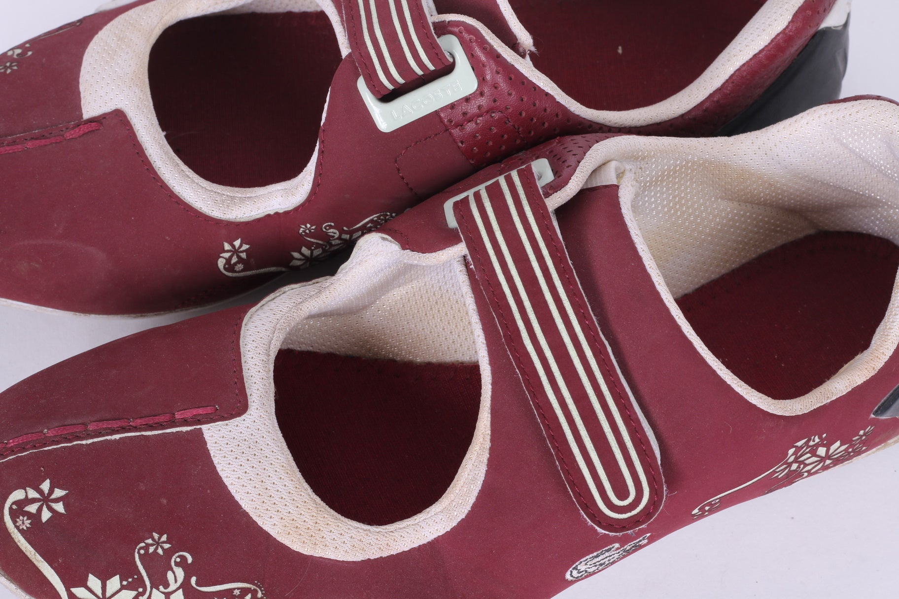 64bfcb839061 ... Lacoste Womens 39.5 UK 6 Shoes Burgundy Trainers Flowers ...
