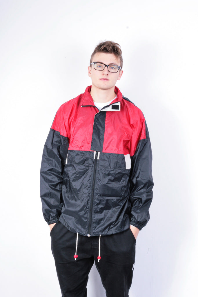 Outdoor Vallen Mens L Jacket Black Nylon Waterproof Hood Vintage 90s - RetrospectClothes