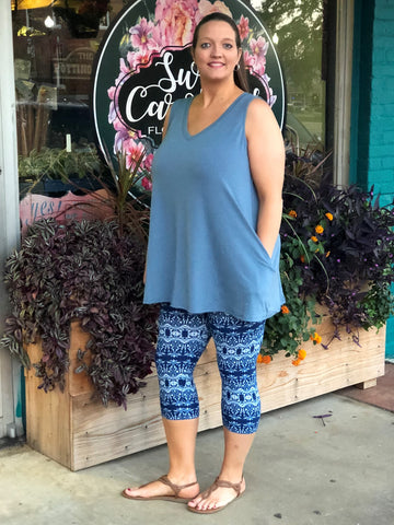 Filigree Print Buttery Soft Capri Leggings