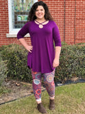Twisted Keyhole Front Tunic Top