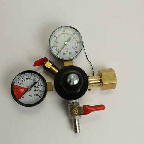 CO2 Regulator: Dual Gauge