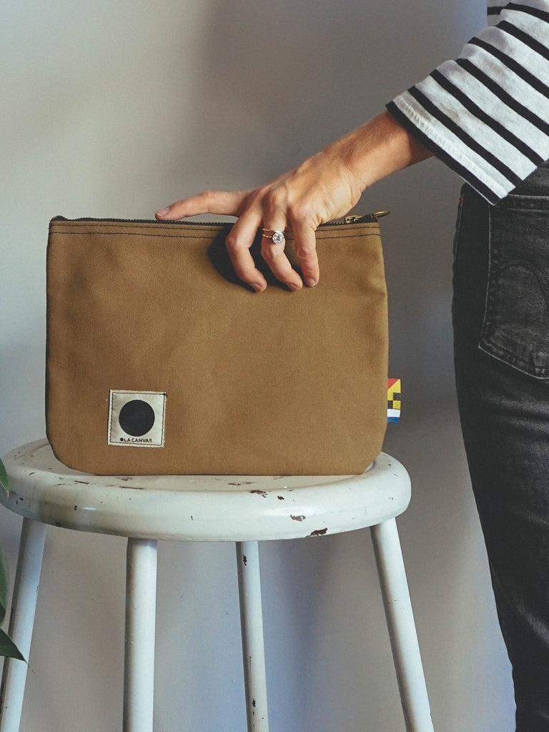 OLA Canvas Zip Pouch Brown