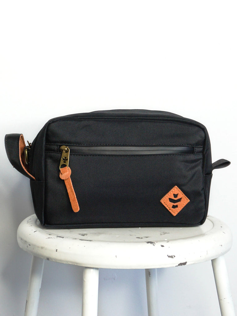 Revelry Supply Stowaway Dopp Black