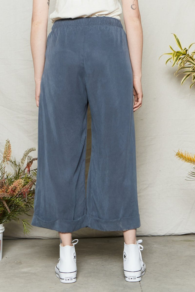 Back Beat Co Tencel Fleur Pant Fijord Blue