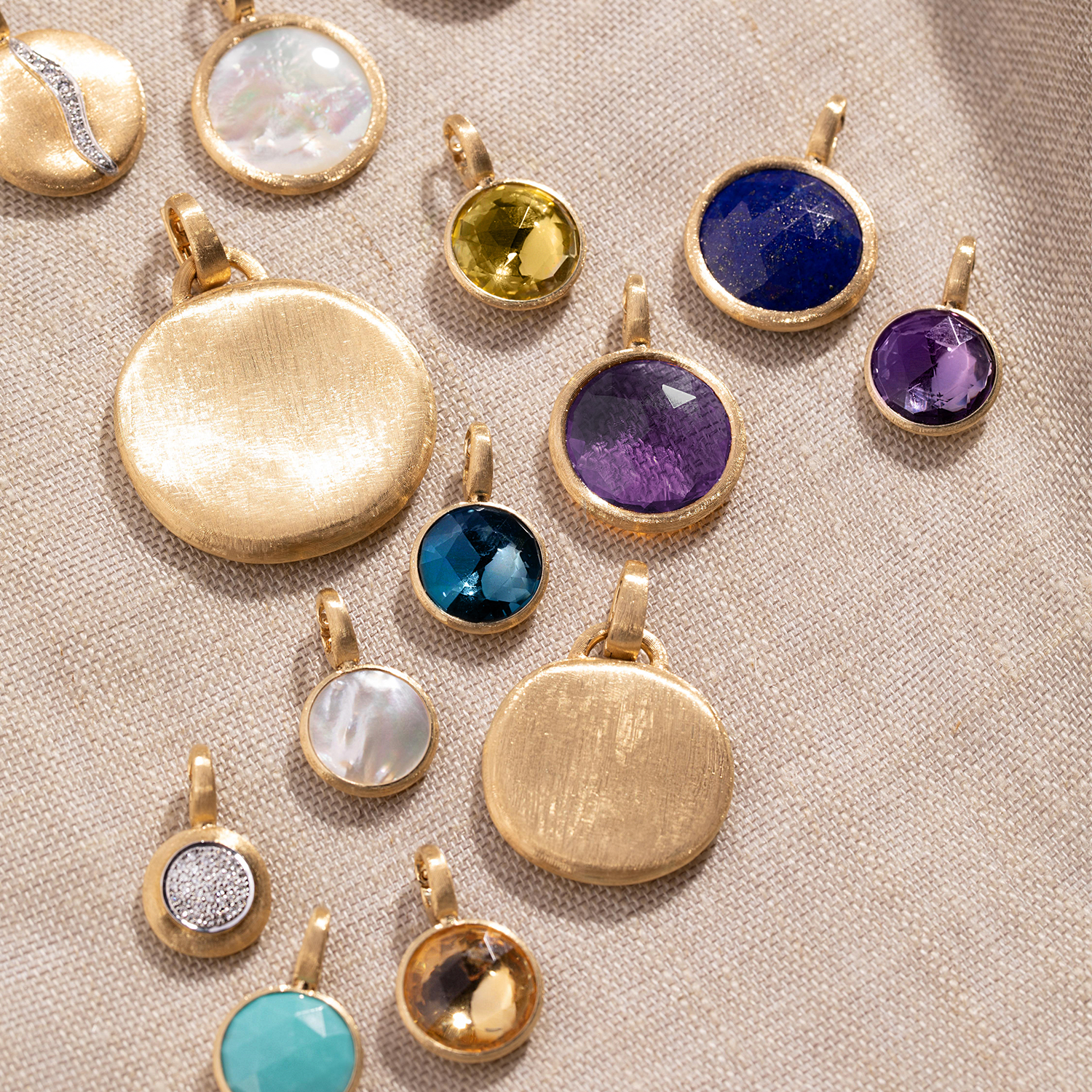 Products in the Pendants collection