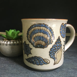 Vintage coffee mug with seashell motif - nautical style