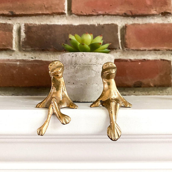 Vintage Brass Sitting Frogs, Shelf Sitters, Garden Decor