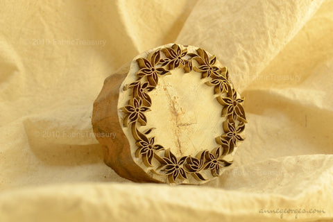 Hand Block Printing Wooden-Metal Stamp with Floral Embossing ( Garden Wreaths 11 )