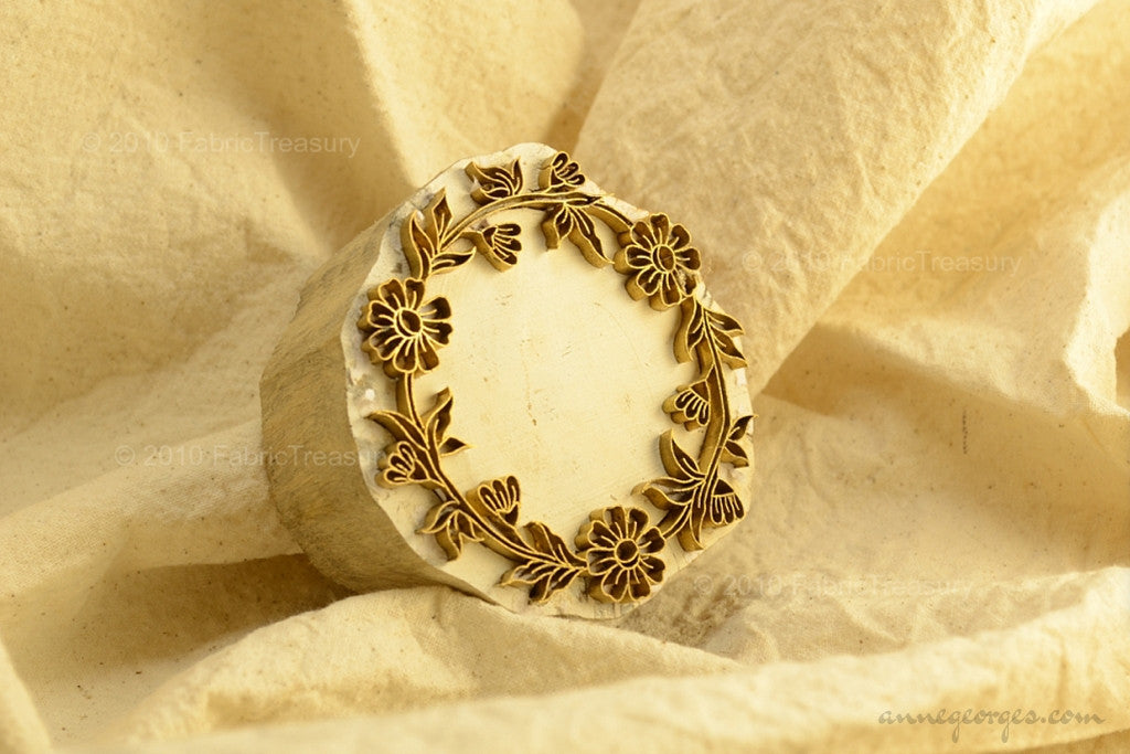 Hand Block Printing Wooden-Metal Stamp with Floral Embossing ( Garden Wreaths 06 )