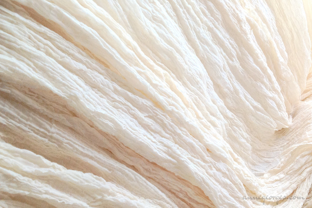 Handwoven Organic Cotton Fabric ( Crepe 40s, Unbleached Dyeable )