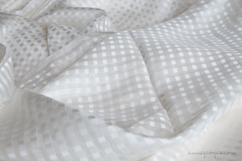 Pure Silk Gingham Fabric ( Silk Gingham, Unbleached Dyeable )
