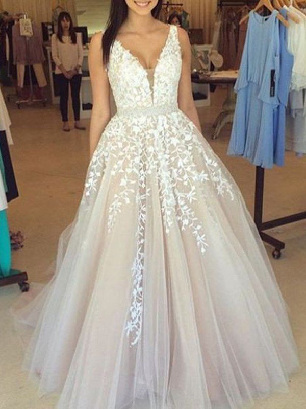 03da0e5f02f A-Line Princess V-Neck Sleeveless Lace Applique Tulle Sweep Brush Train ...