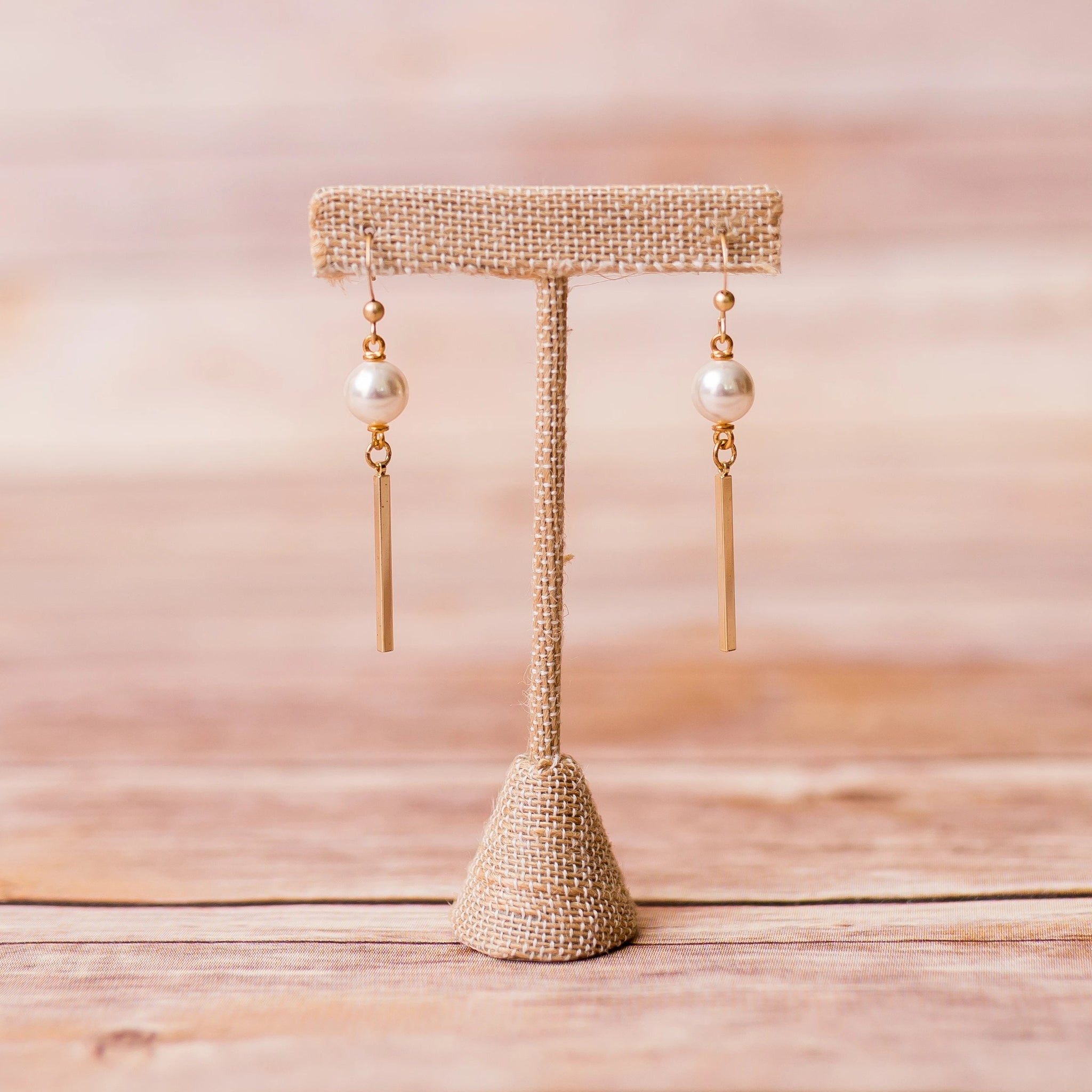 Pearl Earrings with Bar