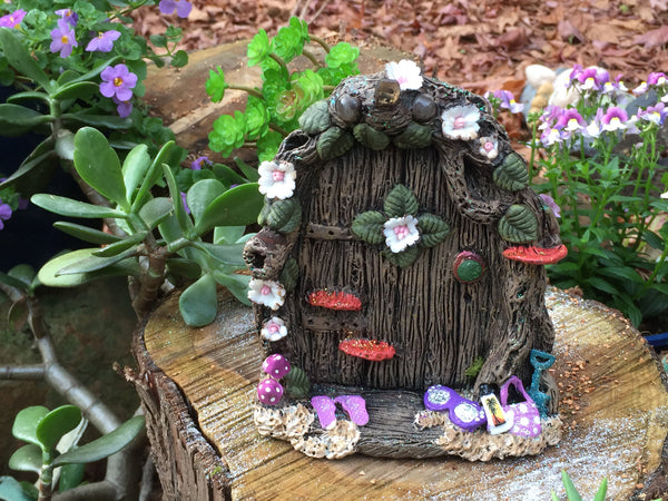 Beach fairy door