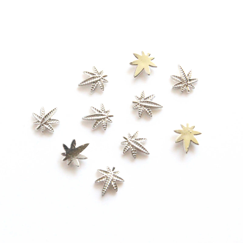 Mini Silver Weed Nail Charms - Bong Beauties