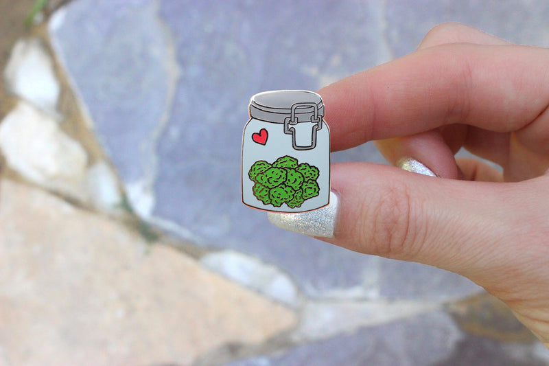 Nug Jar Hat Pin - Bong Beauties