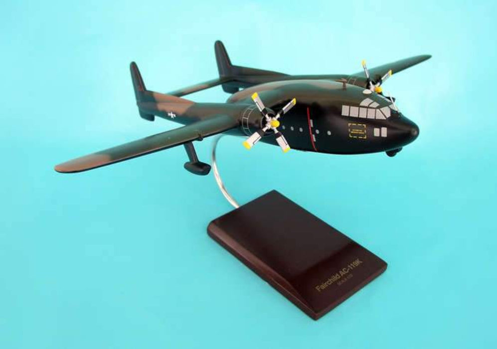 STINGER GUNSHIP DISPLAY AIRCRAFT 1/72 - My Parlor Room