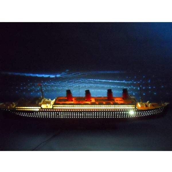 My Parlor Room - RMS Mauretania Limited 50 inch w/ LED Lights Model Cruise Ship - My Parlor Room