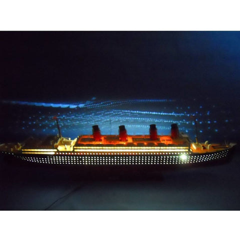 Model Ships - RMS Mauretania Limited 50 Inch W/ LED Lights Model Cruise Ship