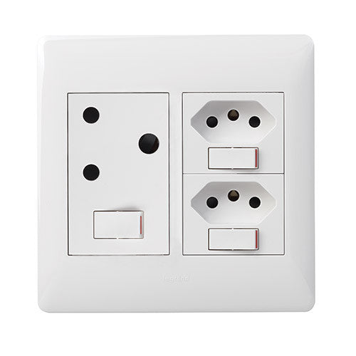 Legrand Ysalis Single Socket Horizontal + 2 x Slimline - White PYNOS44WHT