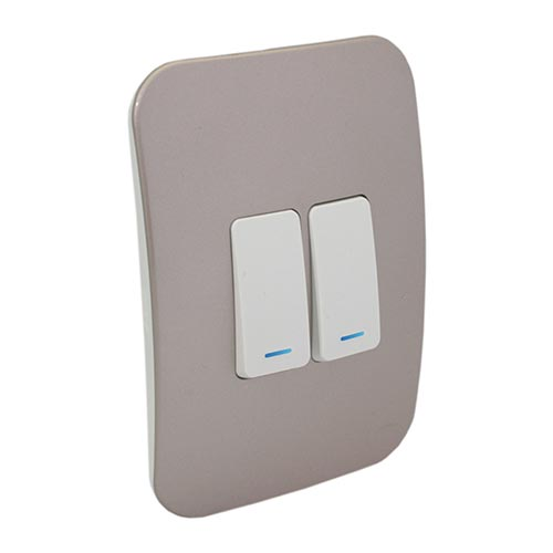 VETi 1 Two Lever Two-Way Light Switch with Locator - White Module