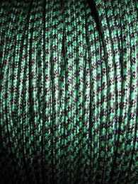 SILK BRAID COVERED VINTAGE 20 AWG HOOK UP WIRE GREEN WITH BLACK TRACER STRIPE - MULLARD MAGIC